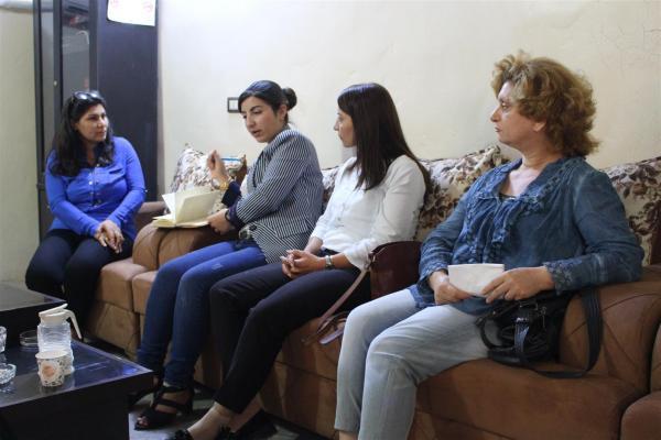 هيئة المرأة تزور مخيم الهول للاطلاع على أوضاع النساء القاطنات فيه