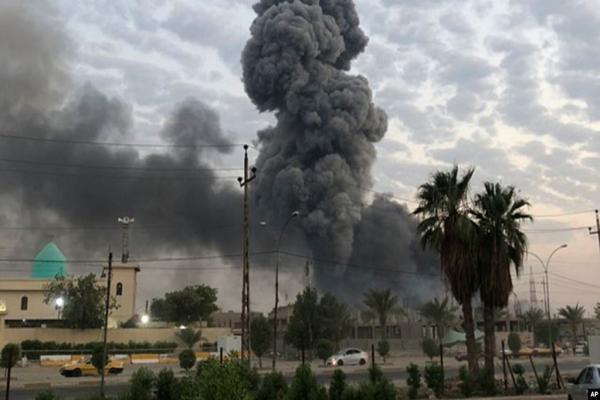 صحيفة: ضربات جوية تستهدف مجموعات إيرانية قرب الحدود مع سوريا