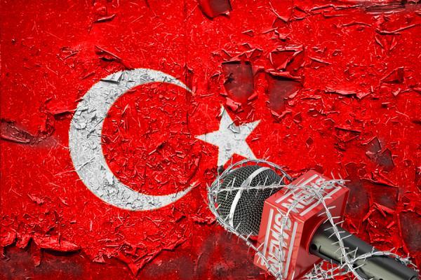 تركيا: حملة صارمة على الصحفيين ونداء يائس للأمم المتحدة
