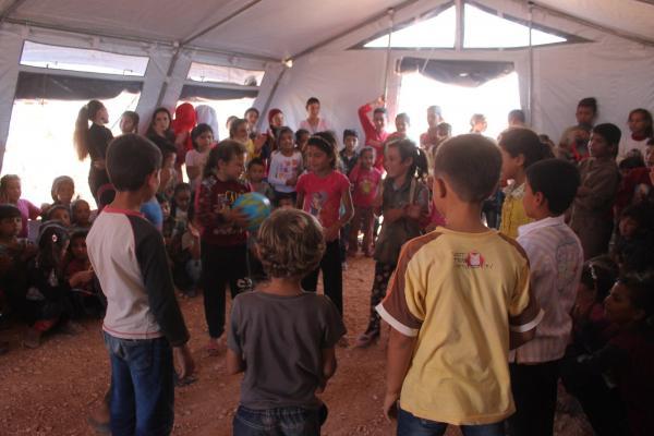 مع بداية العام الدراسي فعالية ترفيهية لأطفال مخيم الشهباء