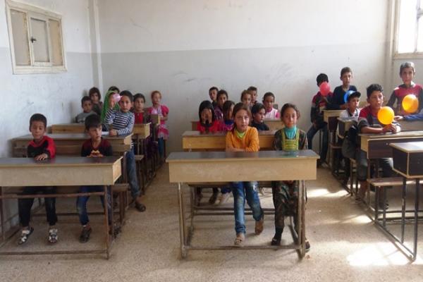 مدارس الدشيشة تشهد إقبالاً بعد أعوام من الانقطاع وحفاوة الأهالي تغلب على المشهد