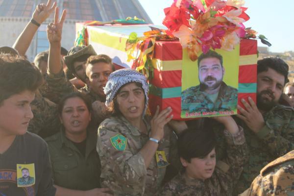 جثمان الشهيد ماهر حلب يوارى الثرى في كوباني
