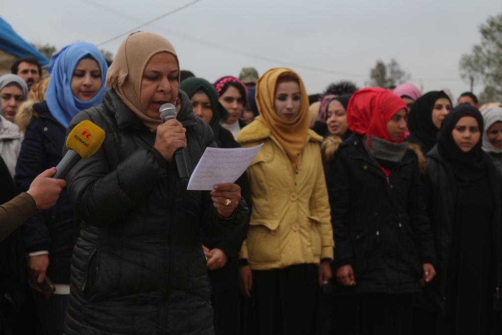 بعد 3 أيام نساء الطبقة يختتمن فعاليات خيمة الاعتصام