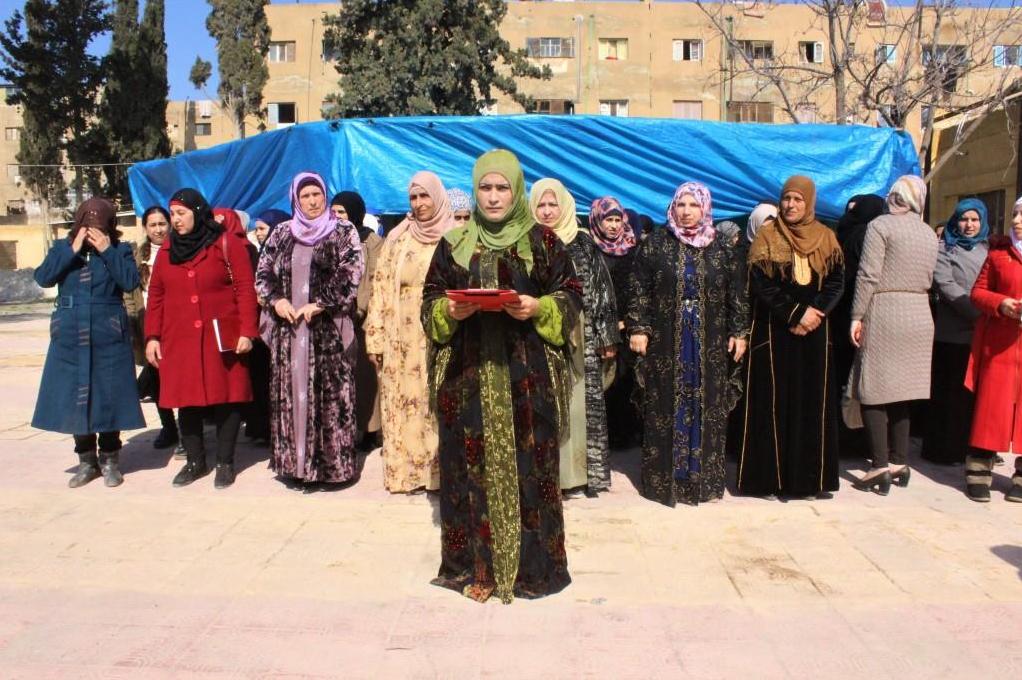 'بمقاومة المرأة تزدهر الحياة ويندحر الإرهاب'