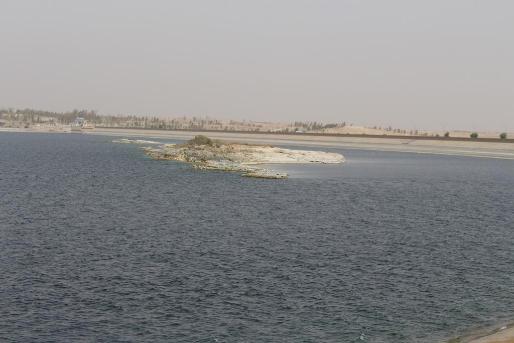 انخفاض كبير في مياه بحيرة الفرات بسبب ممارسات تركيا