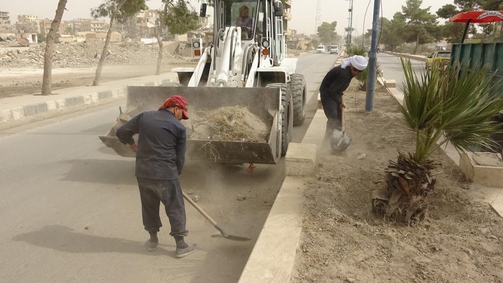 بلدية الرقة عمل مكثف مع قرب احتفالية ذكرى تحرير المدينة