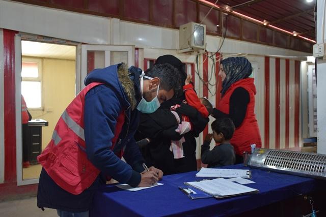 الهلال الأحمر الكردي يكثف من عمله في مخيم الهول