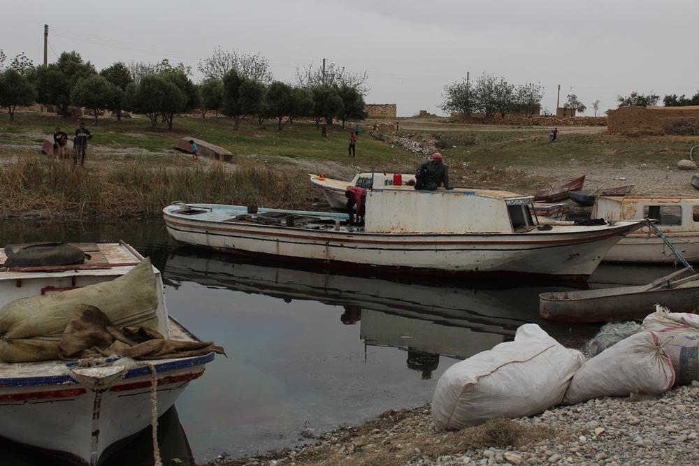 مديرية الزراعة بالطبقة تطلق مشروع الدعم المباشر لصيادي الاسماك