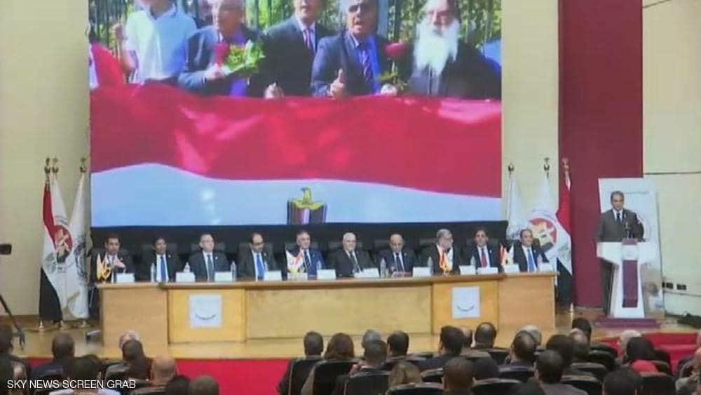 مصر تقر التعديلات الدستورية بعد موافقة غالبية المصوتين