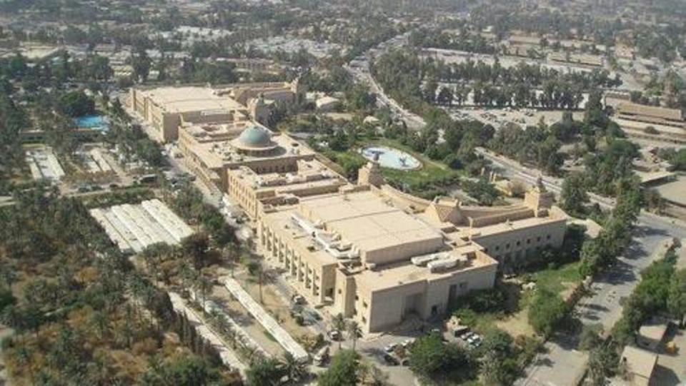 استنفار أمني بعد سقوط صاروخ قرب السفارة الأمريكية في بغداد