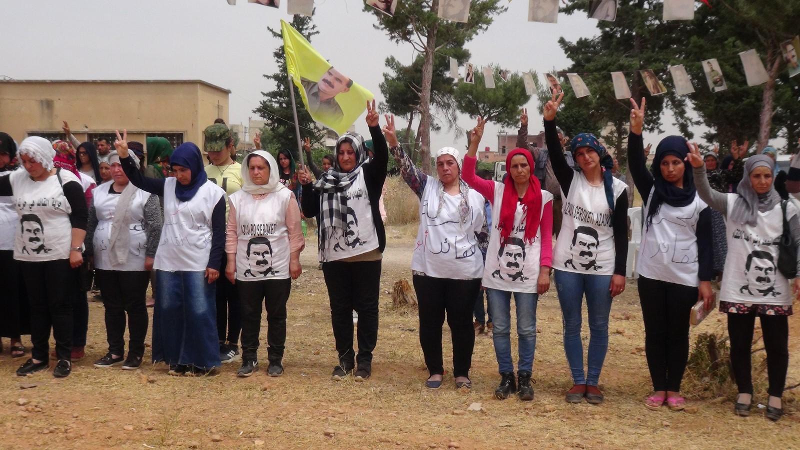 في اليوم التاسع من الاعتصام الأهالي يؤكدون دعمهم للمضربين