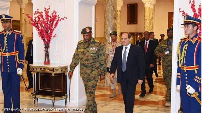 السيسي يؤكد دعمه لسلطات السودان الجديدة خلال لقائه البرهان