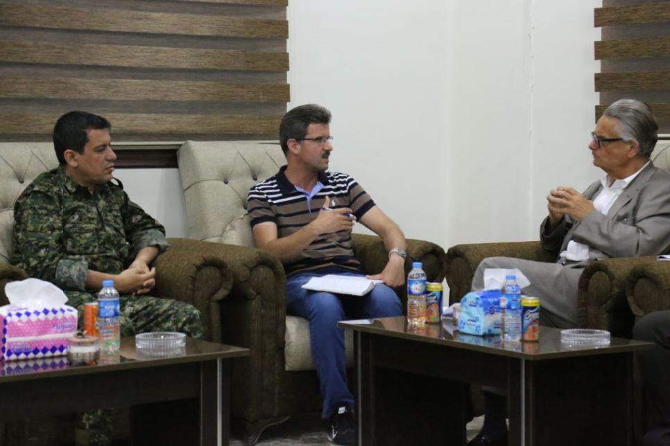 المبعوث السويدي للملف السوري يجتمع مع القائد العام لقسد