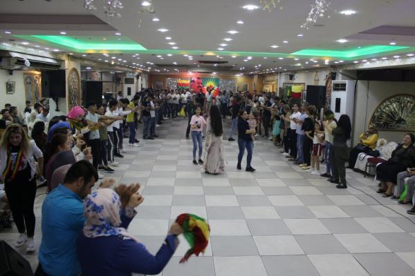 الجالية الكردية في لبنان تحتفل بمناسبة قفزة الـ 15 من آب