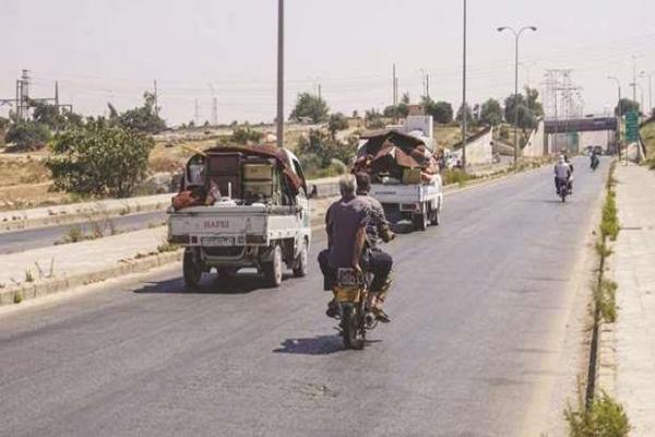 المرصد السوري: النظام يقصف معرة النعمان تمهيداً للتقدم نحوها