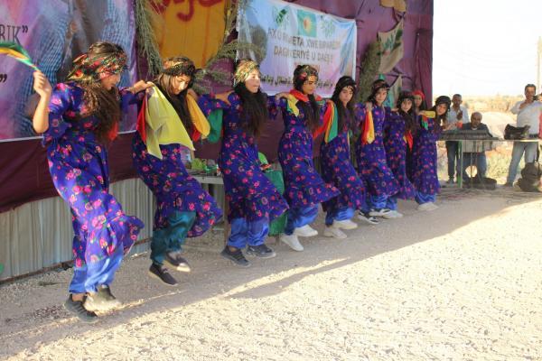 انتهاء مهرجان الشهيدة استرفان بتكريم الطلبة