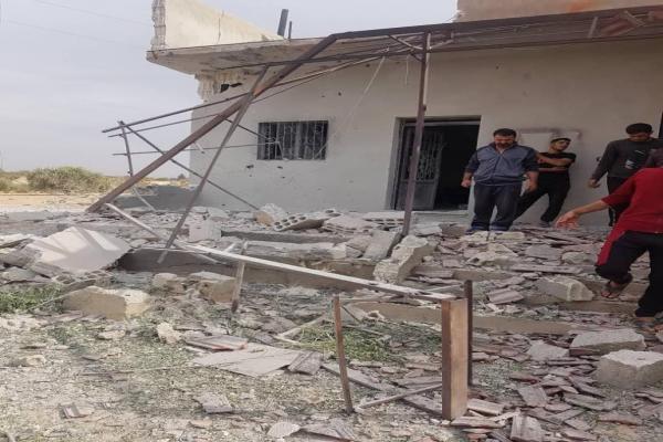 الاحتلال التركي ومرتزقته يستهدفون منازل المدنيين في ريف منبج الغربي والشمالي