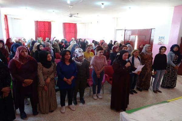 نساء تل براك يستنكرن العدوان التركي على شمال وشرق سورية