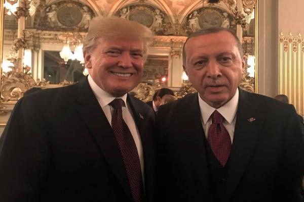 ترامب يبدأ لقاءه مع أردوغان بالحديث عن صفقات تجارية