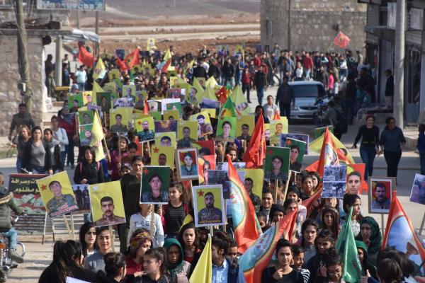 شبيبة الشهباء يتظاهرون تنديداً بالهجمات التركية
