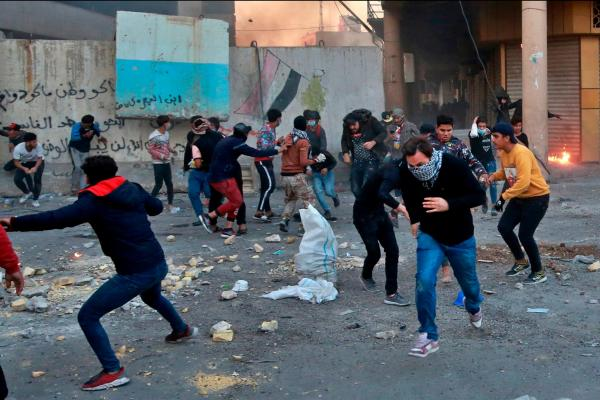 السلطات العراقية تفتتح بالقوة منشآت حكومية وتظاهرات مرتقبة اليوم