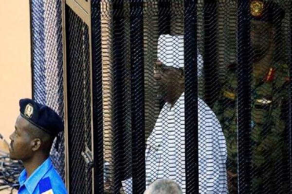مسؤول سوداني: البشير قد يحاكم أمام الجنائية الدولية
