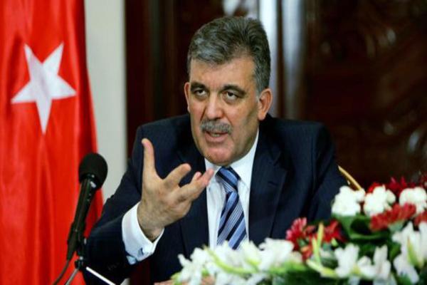 عبدالله غول: صلاحيات أردوغان جعلت البرلمان شكلياً