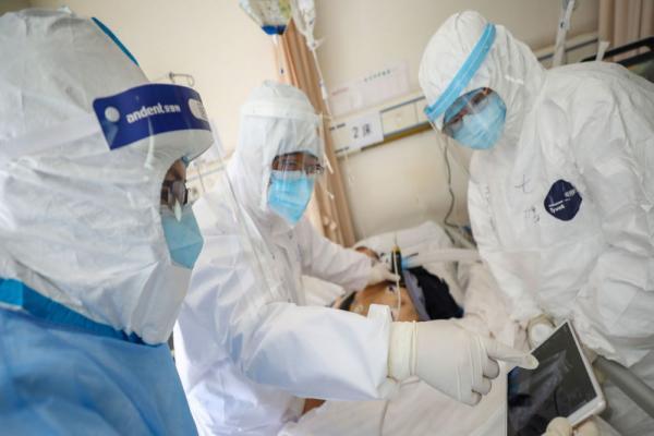الصحة الإيرانية: كورونا قد يكون منتشراً في جميع المدن الإيراني