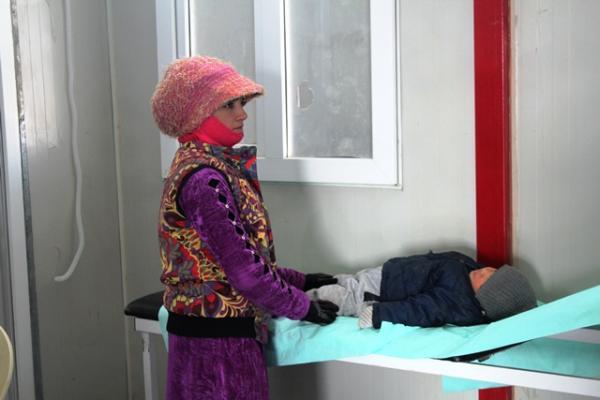 رعاية طبية مجانية لـ14 ألف نازح ومُهجّر في مخيم العريشة