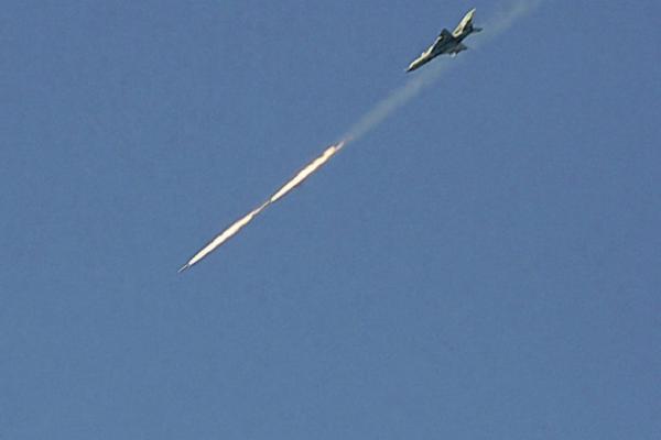 المرصد :مقتل جنود أتراك ومعارك عنيفة بمحيط سراقب