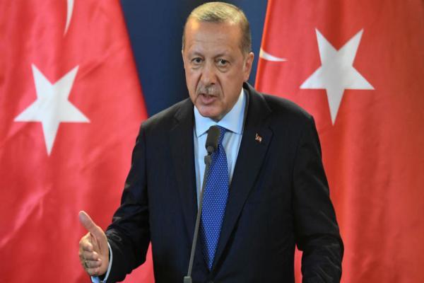 قرب انتهاء مهلته.. أردوغان يعود للحضن الروسي ويهاجم أوروبا
