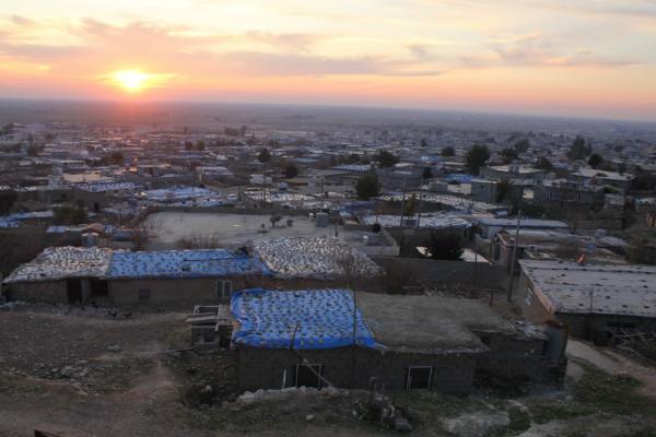 مخيم مخمور في حالة حرجة وهيئة الصحة تؤكد استعدادها لتقديم كيت