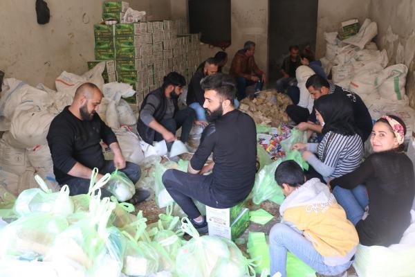 توزيع 5 الأف حصة من المنظفات في الشيخ مقصود والأشرفية