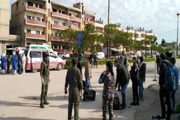 وصول دفعة من طلبة جامعات دمشق إلى قامشلو وإخضاعهم للفحوصات لوضعهم في الحجر الاحترازي