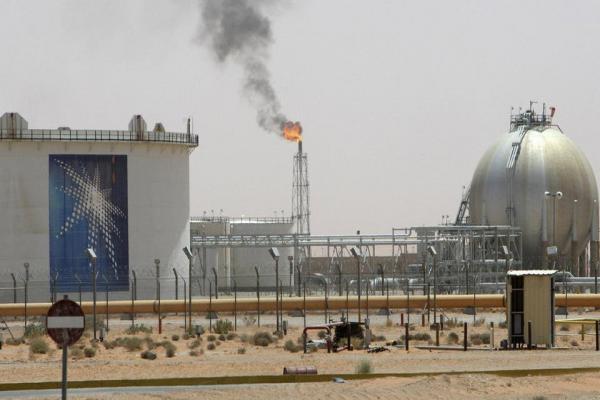 مصادر: السعودية وروسيا تزيلان العقبات أمام اتفاق عالمي حول النفط