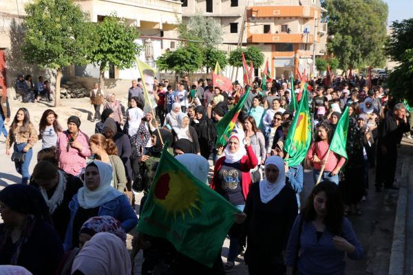 مظاهرة حاشدة في حلب استنكاراً لجرائم تركيا في عفرين