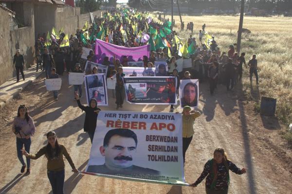 الآلاف من أهالي إقليم عفرين يتظاهرون استنكاراً لممارسات الاحتلال التّركيّ