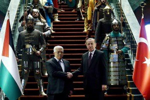 كاتب فلسطيني: السلطات التركية تمارس سياسات التمييز العنصري ضد الفلسطينيين