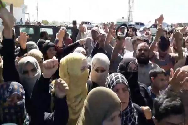 غضب شعبي يعمّ مدينة كري سبي على خلفية اختطاف مرتزقة تركيا لبعض الرجال والنساء