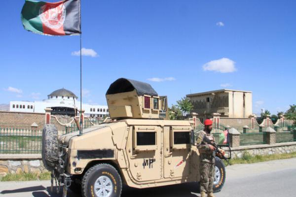 مقتل 11 شرطياً أفغانياً بانفجار قنبلة