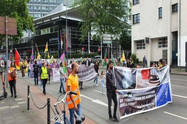 تظاهرة في ألمانيا رفضاً للهجمات التّركيّة على باشور وروج آفا