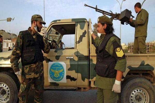 الجيش اللّيبيّ يقصف رتلاً عسكريّاً لميليشيات موالية لتركيّا