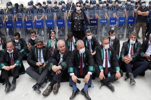 هيومان رايتس ووتش: القانون التركي حول نقابات المحامين يقوض استقلال القضاء