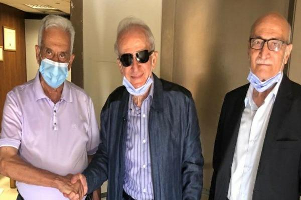 نائب لبناني يقدّم استقالته ويطالب بلجنة تحقيق دولية
