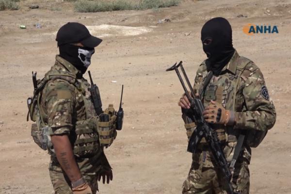 بالتعاون مع عشائر دير الزور إلقاء القبض على ٩ مسلحين