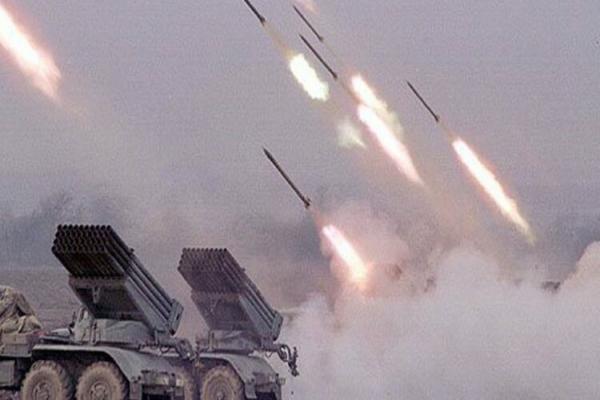 القوات الحكومية تصعد من هجماتها على ريفي إدلب وحماة