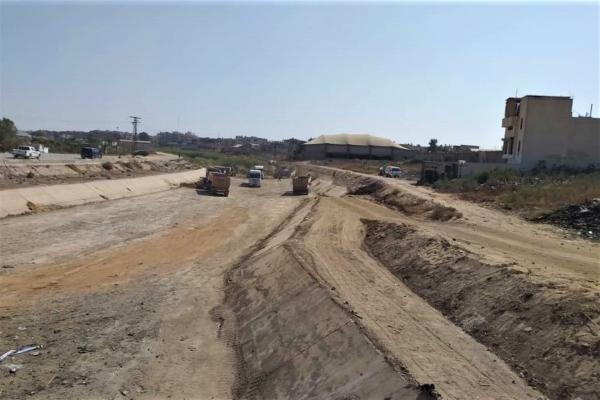 بلدية الشعب في الحسكة تستمر بعملها في تنظيف مجرى نهر جقجق