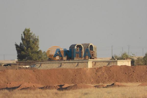 الاحتلال التّركيّ يبني أسواراً من السّواتر حول القرى المحتلّة بريفي كري سبي وعين عيسى