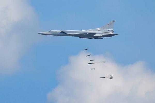 المقاتلات الروسية تشن غارات على ريف إدلب وقصف مدفعي على أرياف حماة