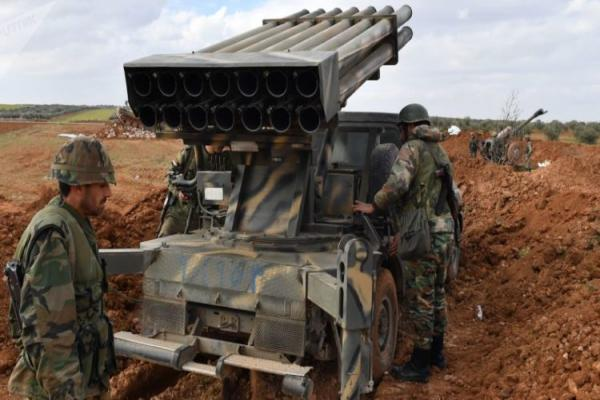 قصفٌ هو الأعنف.. مرتزقة تركيا يقصفون قوات الحكومة بمئات الصواريخ
